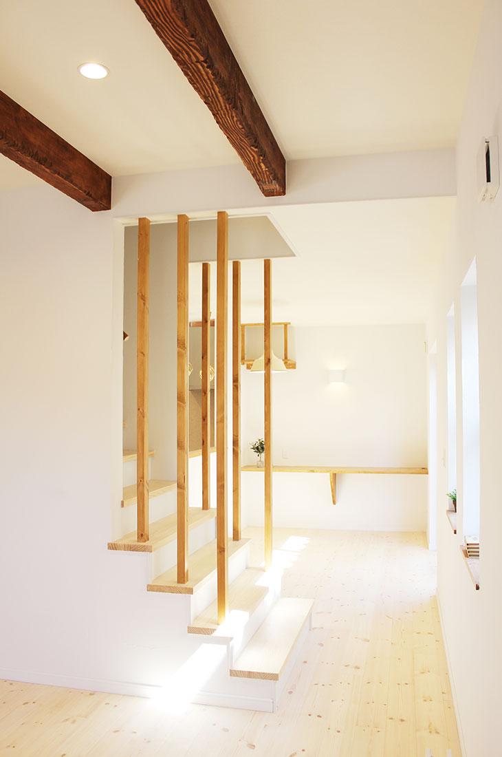 大人フレンチの家 階段