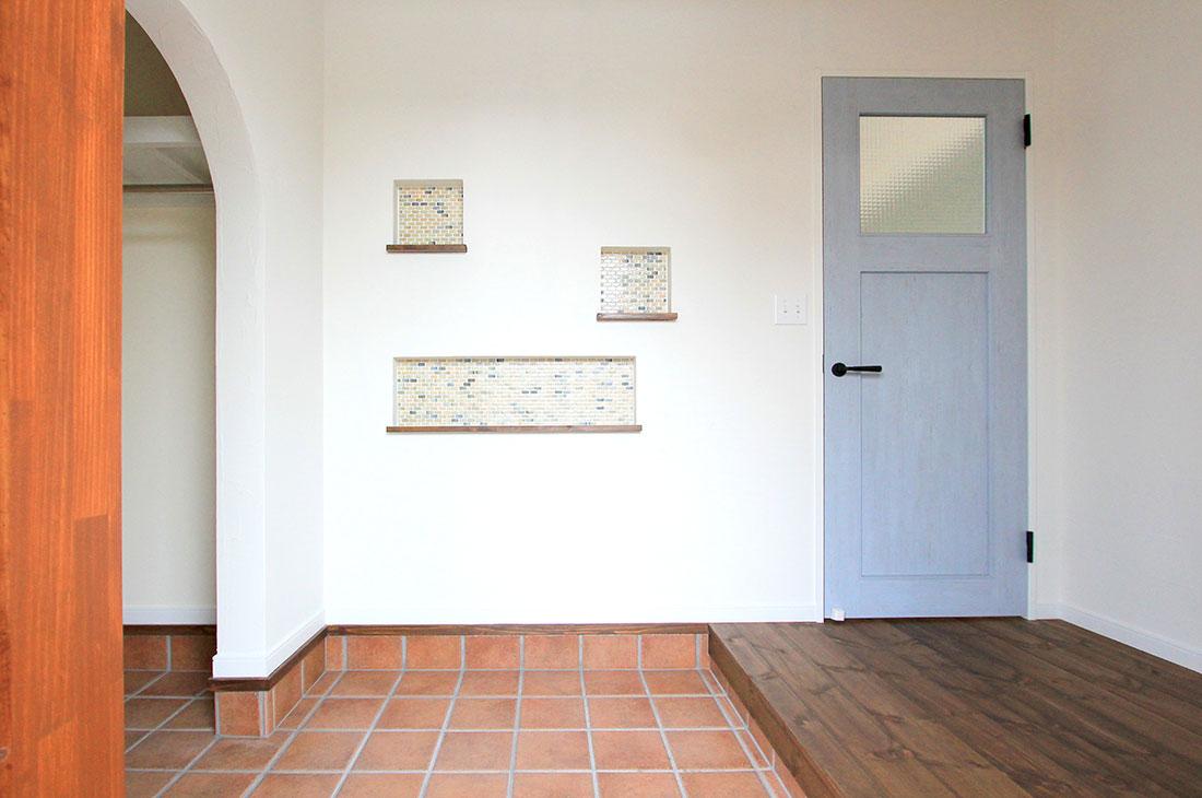ナチュラルヴィンテージの家 玄関