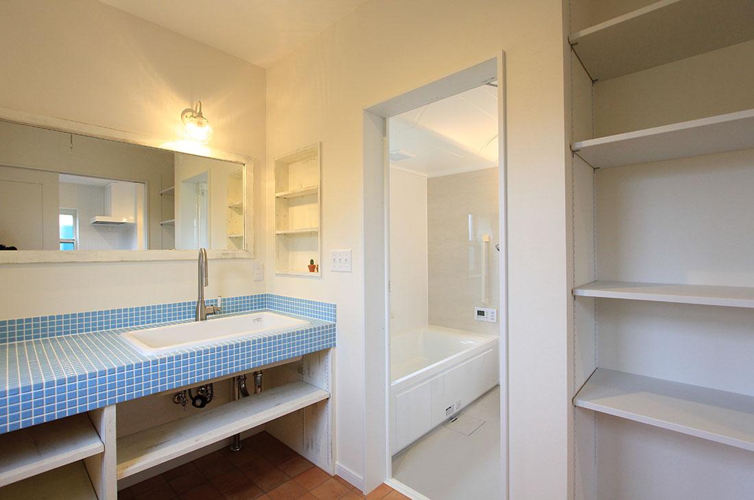 ナチュラルヴィンテージの家 洗面所