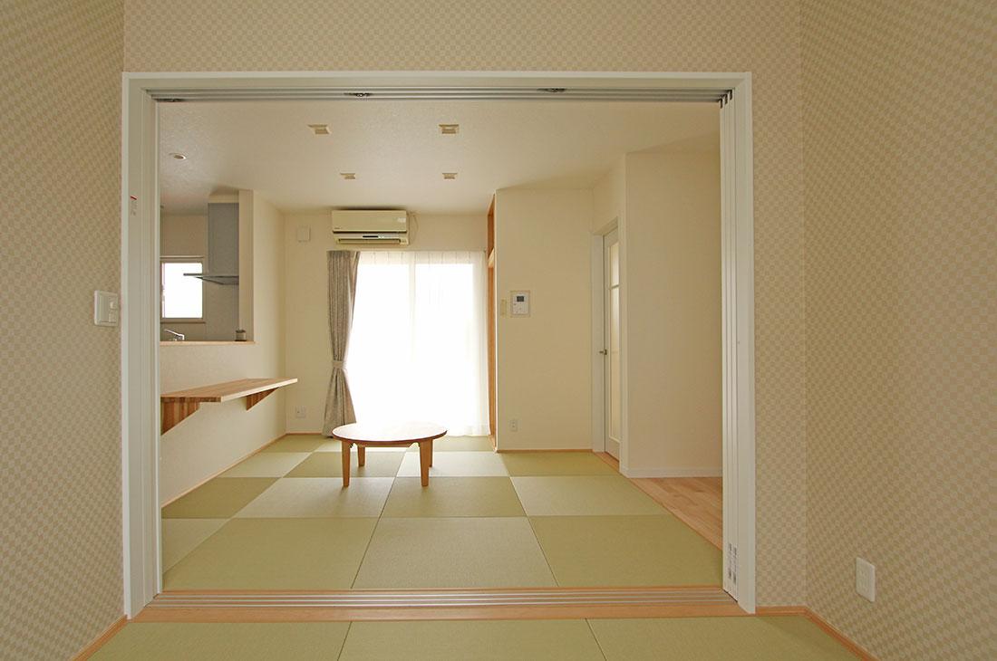 家族を包む家_完全二世帯住宅 和室