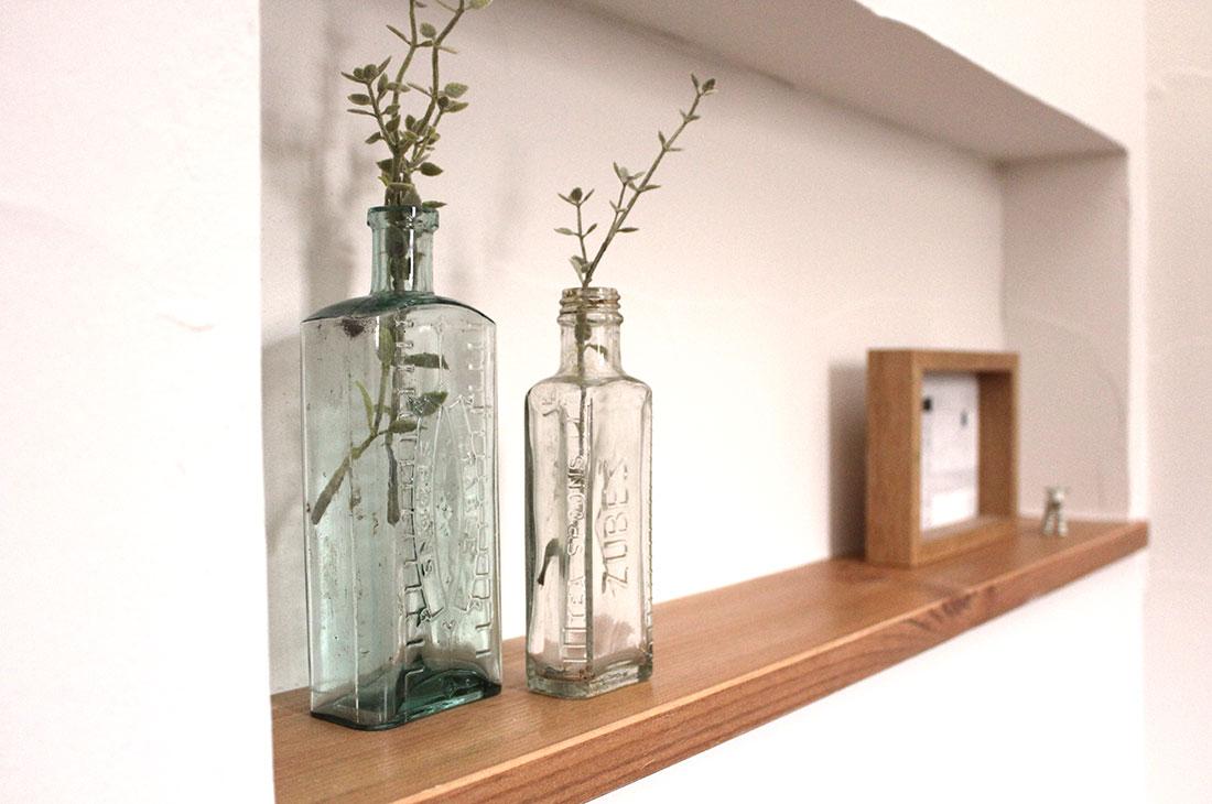 家族をやさしく包み込むカフェオレ色のお家 飾り棚
