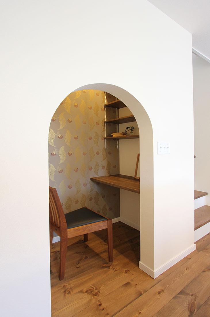 小鳥が囀るスプリンググリーンの家 書斎スペース