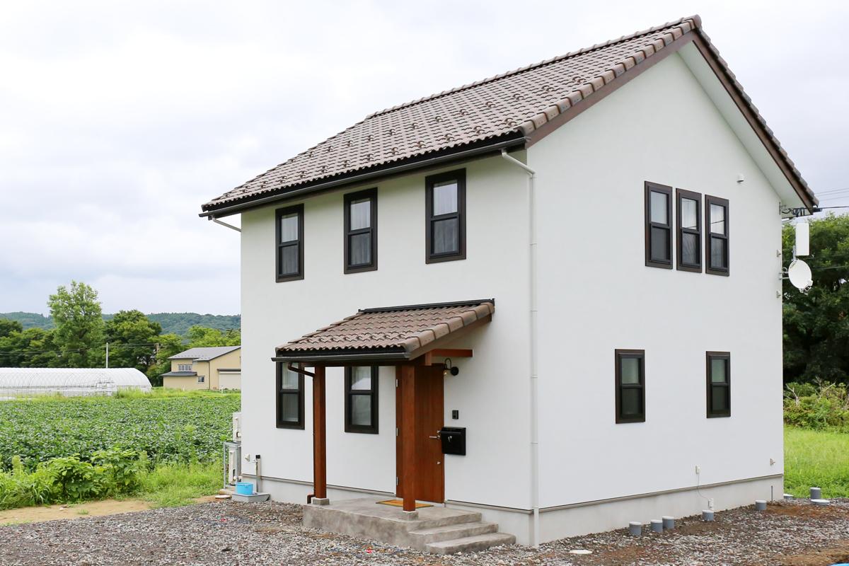 ヨーロッパテイストのおしゃれでかわいいMamanの家をシンプルにかっこよく仕上げた30sタイプのお家。【酒田鶴岡で新築、デザイン住宅、リノベーションの工務店 ナチュラル工房伊藤住宅】
