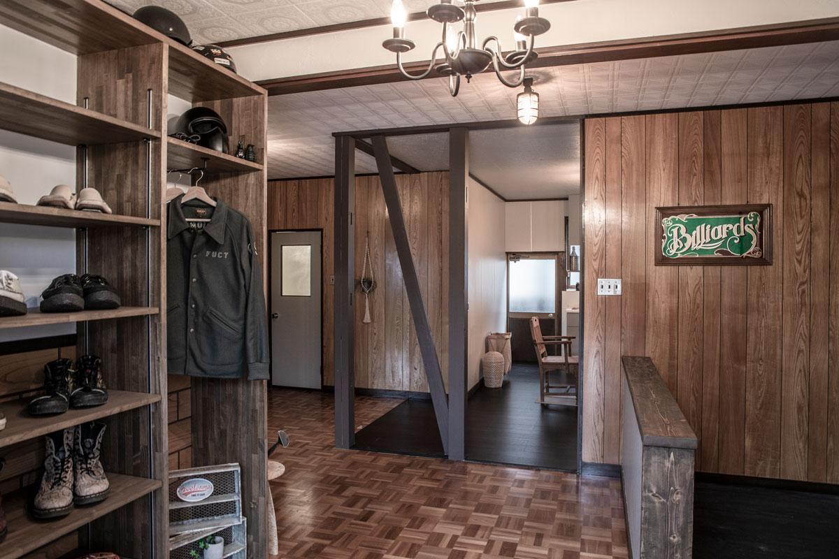 仲間が集うビリヤードルームのある平屋リノベーションの施工例を更新しました。レトロ&ヴィンテージを楽しむ平屋をリノベーションしたビリヤードルームとビルトインガレージのあるお家が完成しました。【酒田鶴岡で新築・デザイン住宅・リノベーションを手がける工務店 ナチュラル工房】