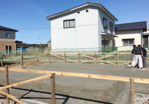 新しいママンの家の基礎工事が進められています。