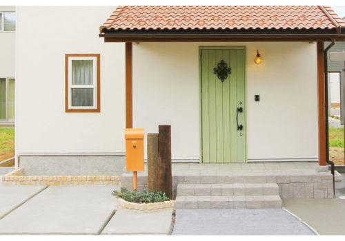 玄関のアクセントにもなるかわいいメールボックス(ポスト)