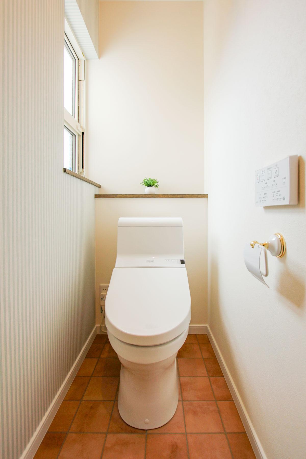フレンチスタイルのおしゃれなトイレ