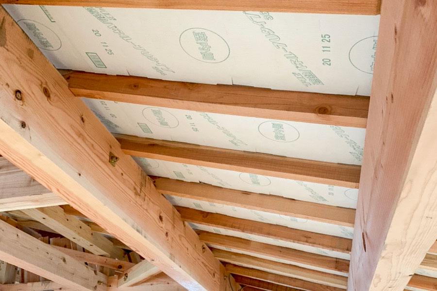 屋根部分には遮熱施工も施されています。