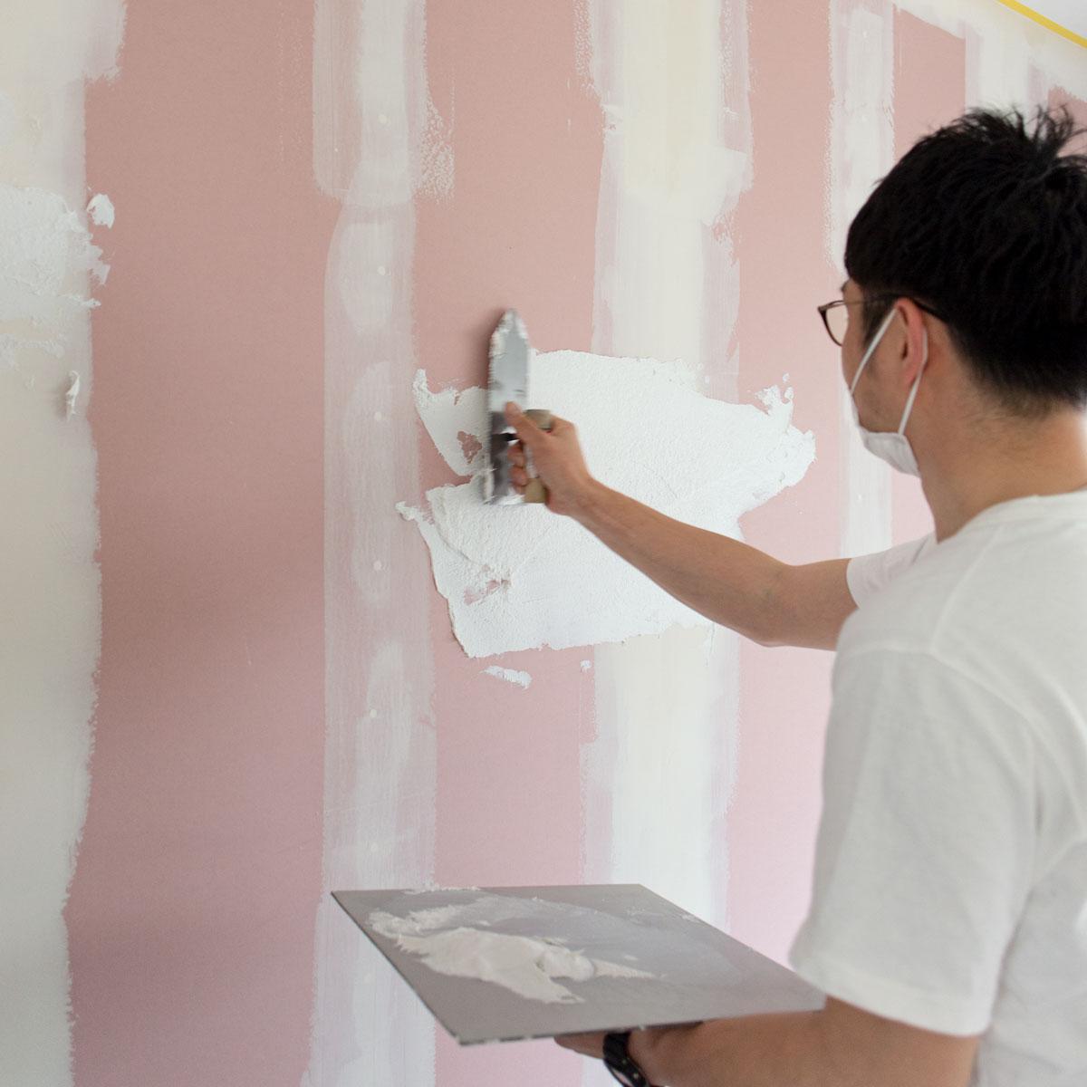 真っ白な塗り壁に仕上げ