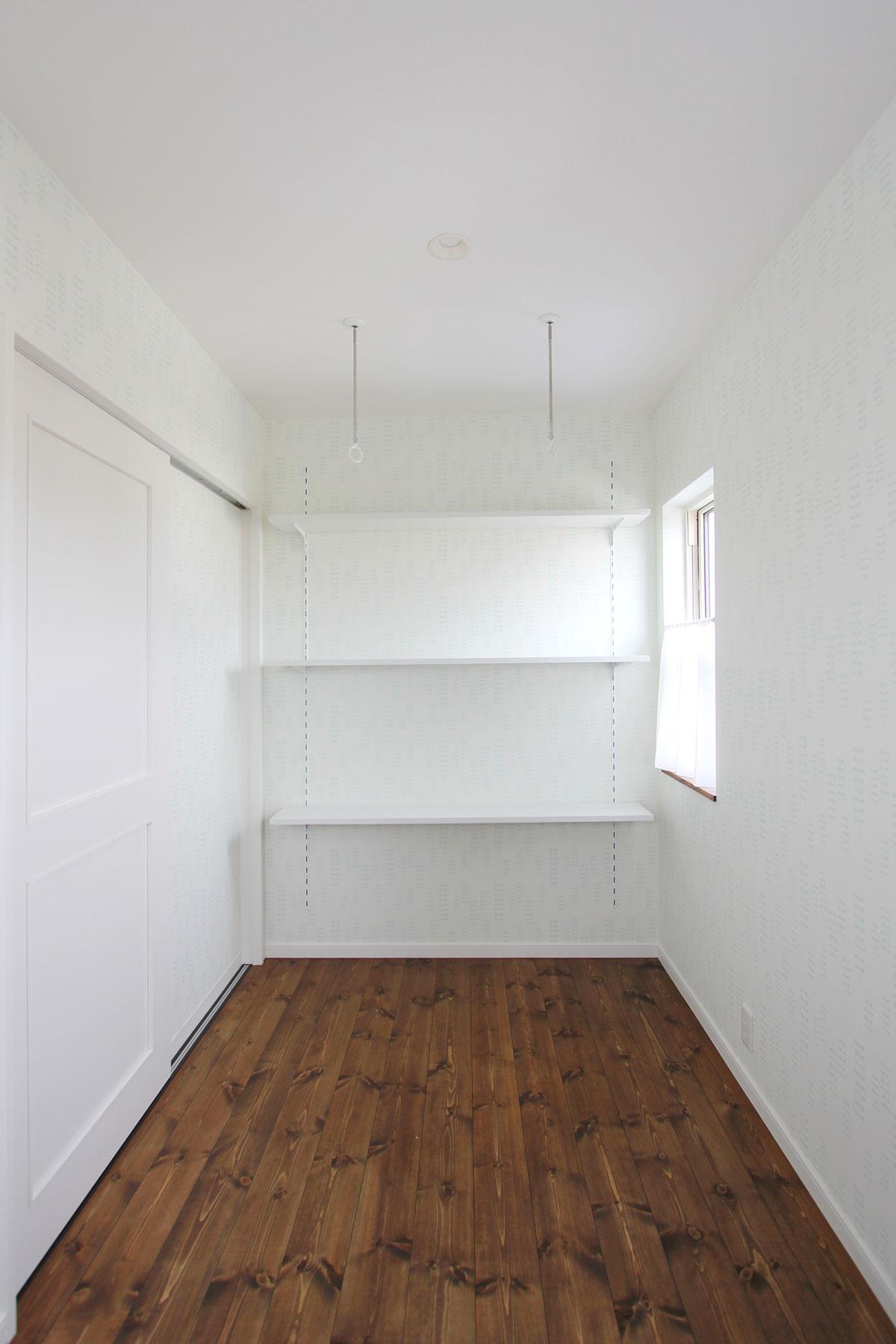 清潔感のある室内物干しスペース