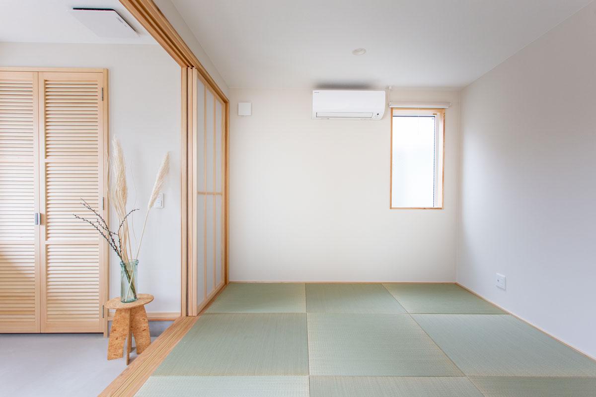 玄関近くの畳スペース