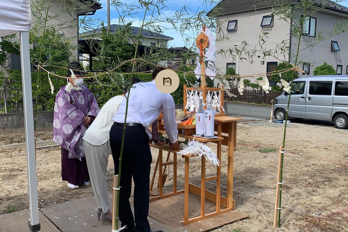 お家の繁栄をお祈りする地鎮祭